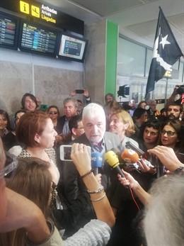 """26A.- Matamala Irá Al Senado Para """"La Libertad De Los Presos Y La Vuelta De Los Exiliados"""""""