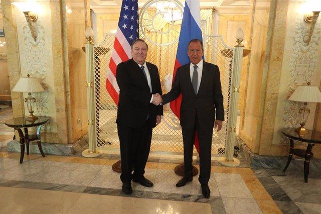"""EEUU/Rusia.- Pompeo y Lavrov abogan por """"hacer el esfuerzo"""" de mejorar las relaciones entre EEUU y Rusia"""