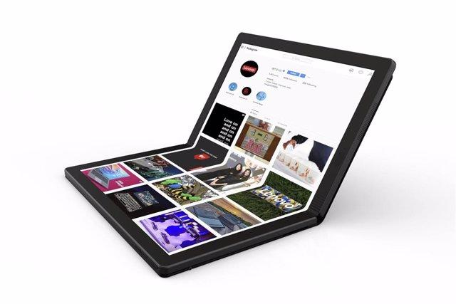 Lenovo anuncia el primer ordinador portàtil amb pantalla flexible