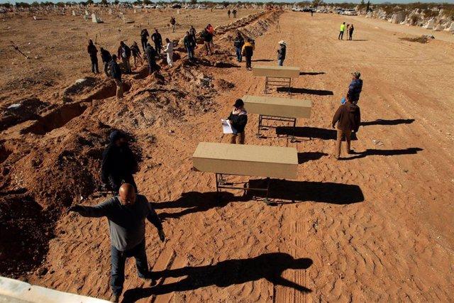 México.- Hallan cerca de 340 cadáveres en más de 200 fosas solo durante los cinco meses de Gobierno de López Obrador