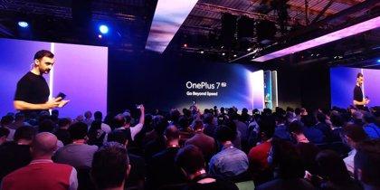 OnePlus 7 Pro apuesta por la velocidad y una pantalla infinita para competir con los grandes