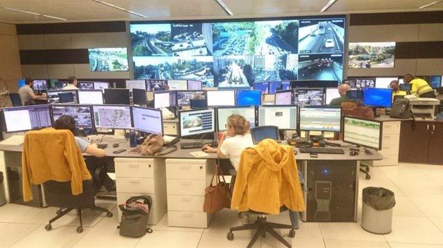 Calvo contesta a Villacís con una foto explicándole que los semáforos están sincronizados por programas informáticos