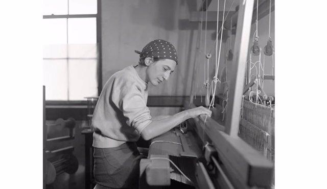 Hallan un tapiz de la escuela Bauhaus perdido durante casi tres décadas en Ciudad de México