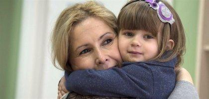 Cerca de 20.000 niños viven en una familia de acogida en España