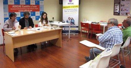 IU-CyL en Marcha hace suyas propuestas de Adicae para proteger al consumidor mediante la inspección y la educación