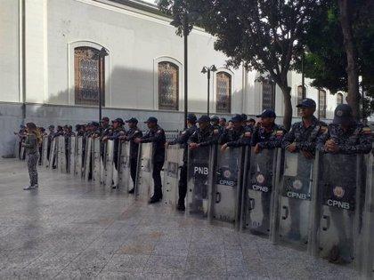 """Colombia rechaza la """"toma"""" de la AN de Venezuela y condena la decisión del TSJ señalar a otros cuatro diputados"""
