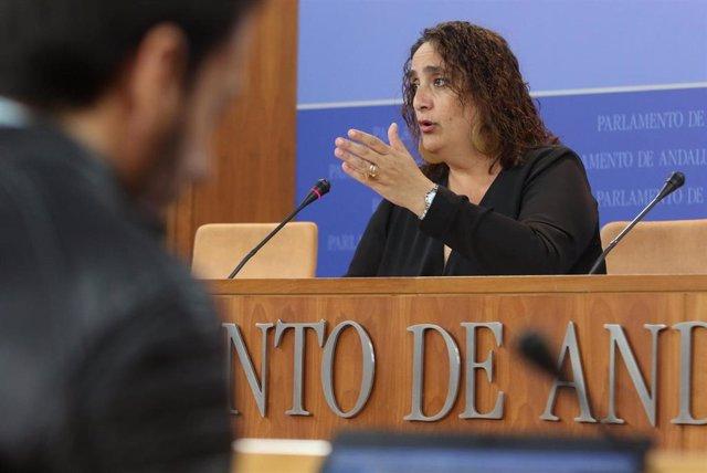 Rueda de prensa de la portavoz adjunta de Adelante Andalucía en el Parlamento, Ángela Aguilera
