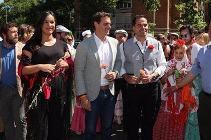 """Rivera pide a los ciudadanos que vayan a votar para evitar un """"sablazo fiscal"""" de Sánchez e Iglesias"""