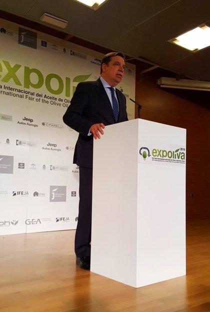 """Luis Planas defiende que la autorregulación del mercado oleícola debe tener """"encaje"""" en los mecanismos comunitarios"""
