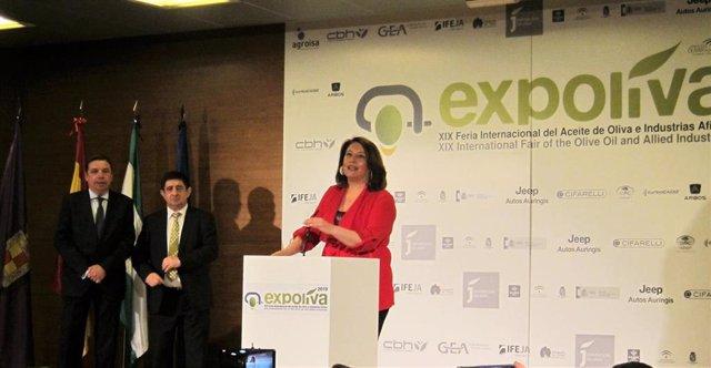 """Crespo destaca el aumento de exportaciones de aceite en lo que va de año y aboga por seguir vendiendo """"calidad y salud"""""""