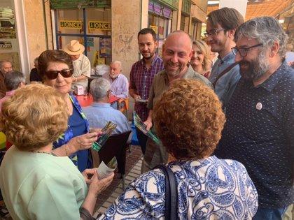"""IU Andalucía avisa de que """"sectores estratégicos"""" del país como la vivienda están invadidos por """"fondos buitres"""""""