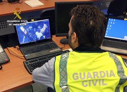 Guardia Civil detiene a una persona e investiga a otra por cometer robos y hurtos por el método abrazo cariñoso