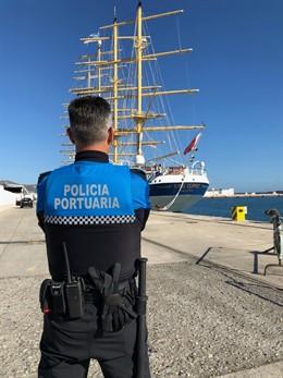 Granada.- Puertos.- Dotan de chalecos antibalas a los agentes de la Policía Portuaria en Motril