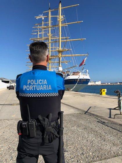 El Puerto de Motril dota de chalecos antibalas a los policías portuarios