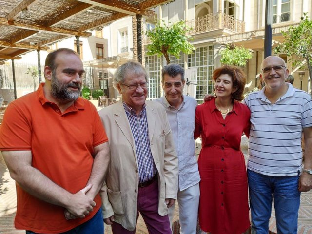 Granada.- 26M.- Ian Gibson, en la candidatura de Podemos IU Adelante, que plantea desenterrar el río Darro