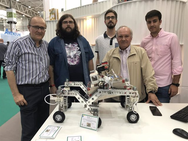 Jaén.- La UJA presenta en Expoliva un prototipo de robot para agricultura de precisión en el olivar