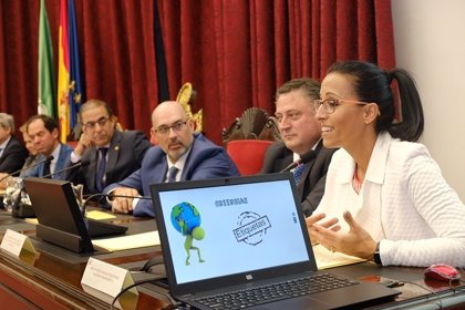 La nadadora Teresa Perales participa en la jornada 'Transformación Digital y Sociedad' de la Universidad de Sevilla
