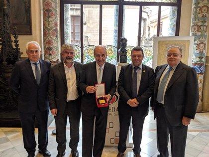 El Cedac distingue a Miquel Roca con la Creu de Sant Miquel 2019