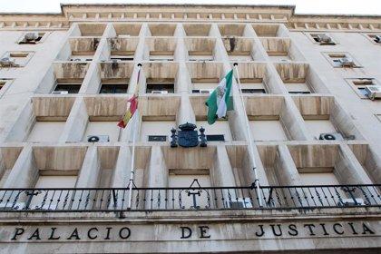 """Alegan que el guardia civil acusado de falsificar registro para robar tabaco de un bar de Sevilla """"no está vinculado"""""""