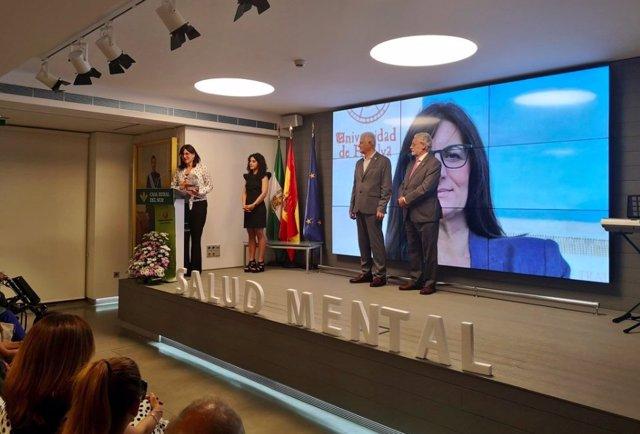 Huelva.- La UHU recibe la Insignia de Oro de Feafes-Andalucía por su labor en materia de salud mental