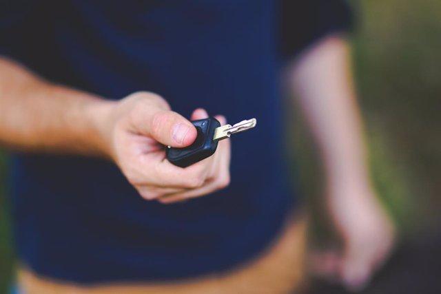 Les fallades de seguretat de les claus intel·ligents permeten obrir un cotxe per amb prou feines 30 euros