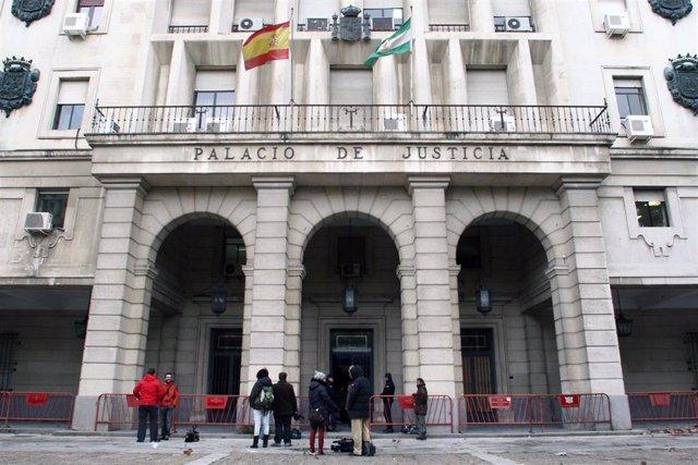Sevilla.- Tribunales.- Siete meses de multa para un protésico dental condenado por anunciar su laboratorio como consulta