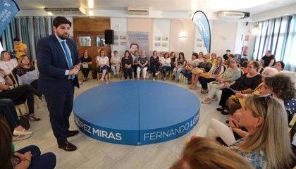 """López Miras: """"Aprobaremos un Plan de Igualdad que facilitará la conciliación y reducirá la brecha salarial"""""""
