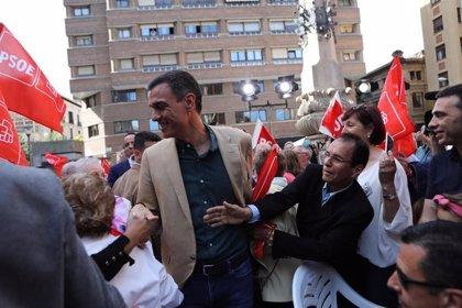 """Pedro Sánchez dice que el PSOE es """"el único partido que defiende la foralidad y la identidad de Navarra"""""""