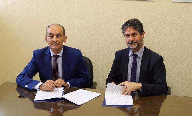 Fundación Cajasur y la Universidad Loyola renuevan su convenio de becas para prácticas de empresa en Córdoba y Sevilla