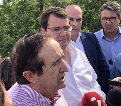 """Lucas augura que Mañueco será """"el mejor presidente de la historia"""""""