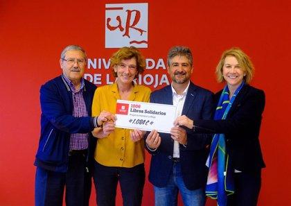 La biblioteca de la UR entrega 1.084 euros a Proyecto Hombre La Rioja por la iniciativa '1.006 libros solidarios'