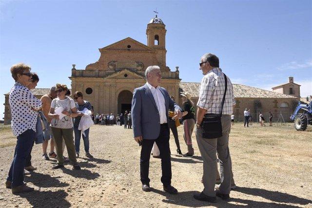 Más de 400 monegrinos acuden a La Cartuja de las Fuentes, donde la DPH va a comenzar el centro de visitantes