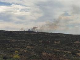 AMP2.- Sucesos.- El incendio en el Parque Nacional del Teide (Tenerife) afecta a 6 hectáreas y requiere a la UME
