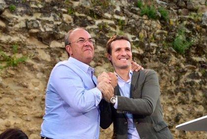 """Pablo Casado llama a unir el voto en el PP en Extremadura el 26-M, ya que """"si no, es muy probable que Cs pacte con Vara"""""""