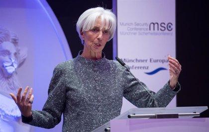 """Lagarde afirma que la economía mundial atraviesa un """"momento delicado"""""""