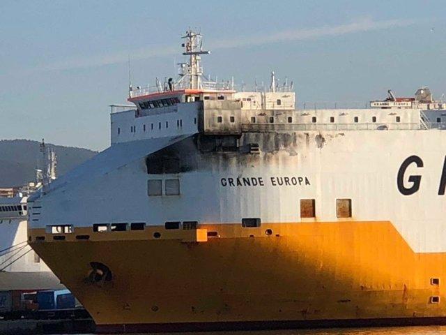 El buque 'Grande Europa' ya está atracado en el puerto de Palma