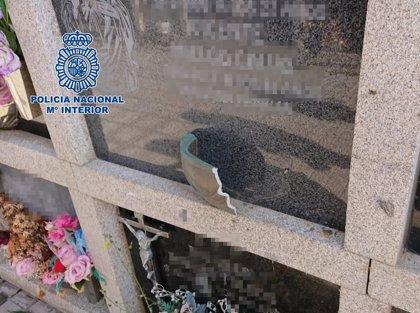Detenidos dos hombres por robar 100 estatuas y artículos de bronce en un cementerio de Las Palmas de Gran Canaria