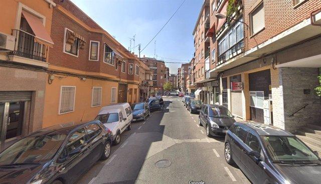 Sucesos.- Heridas leves dos personas tras el desprendimiento de azujelos de una fachada de un edifico de Talavera
