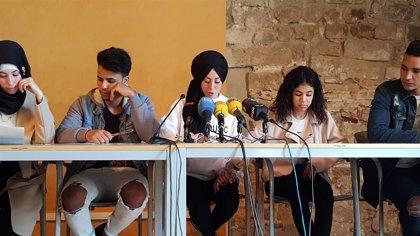 Exmenas acusan a los partidos de usar a menores migrantes en la campaña