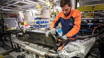 """Volvo Cars firma un contrato """"mil millonario"""" para el  suministro de baterías con CATL y LG Chem"""
