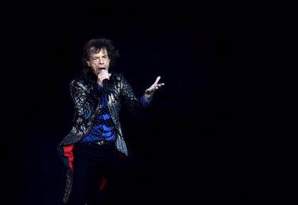 Mick Jagger, bailando en plena forma un mes después de operarse del corazón