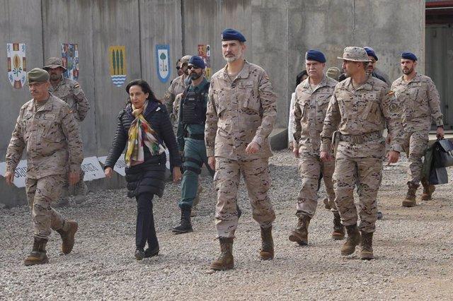 El Rey Felipe, con motivo de su 51 cumpleaños, ha visitado a las tropas españolas desplegadas en Irak