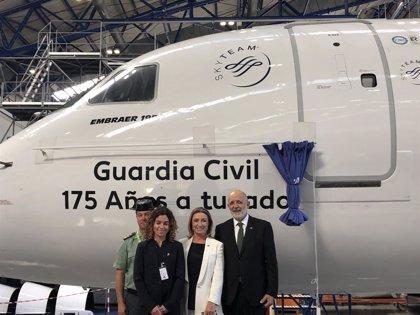 Air Europa presenta un avió que ret homenatge als 175 anys de la Guàrdia Civil
