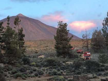 El Cabildo de Tenerife prevé dar por controlado este jueves el incendio del Parque Nacional del Teide