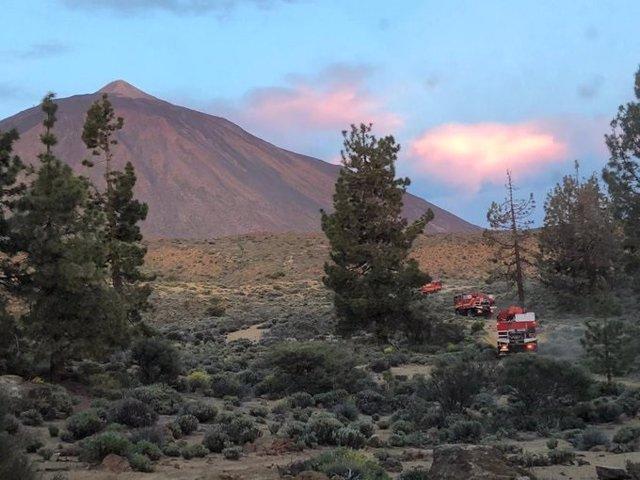 Incendios.- El Cabildo de Tenerife prevé dar por controlado este jueves el incendio del Parque Nacional del Teide