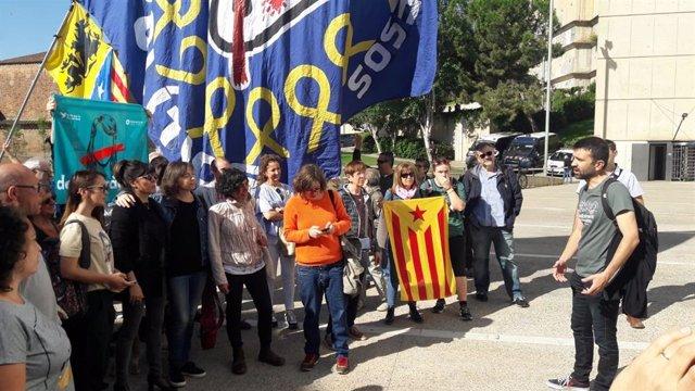 El concejal de la CUP de Lleida dice que la decisión de mantener lazos en el Ayuntamiento fue colectiva