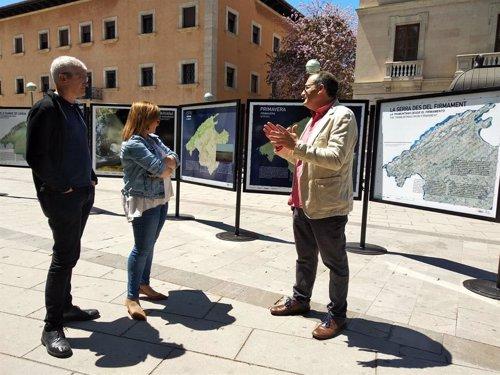 La exposición 'La Serra de Tramuntana des del firmament' se expone en el parque del Mar de Palma hasta finales de mayo