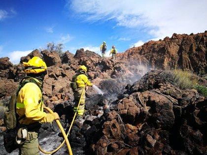 Dan por controlado el incendio del Parque Nacional del Teide