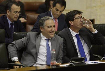 """Bendodo defiende que el Gobierno andaluz """"va para largo"""" y PSOE-A cree que durará """"lo que quiera Abascal"""""""