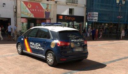 Estafan 10.600 euros a dos vecinos de Burgos al hacerse pasar por su banco después de comprar por internet